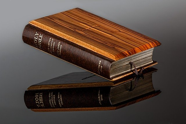 bible-428947_640